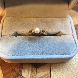 Jewelry - 14K Yellow Gold Diamond and Pearl Ring